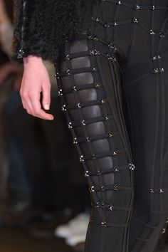 Herve Leger by Max Azria at New York Fashion Week Fall 2015 Mode Apocalypse, Apocalypse Fashion, Max Azria, New York Fashion, Fashion Week, Fashion 2015, Woman Fashion, Fashion Outfits, Fashion Tips