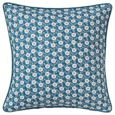 LÖVKOJA Cushion cover IKEA You can easily vary the look, because the two sides have different designs. The zipper makes the cover easy to remove. Family Room Colors, Deux Faces, Decoration Ikea, Ikea Shopping, Ikea Living Room, Pillowcase Pattern, Ikea Home, Room Color Schemes, Guest Room Office