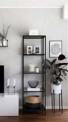 51 brilliant solution small apartment living room decor ideas and remodel 51 . - 51 brilliant solution small apartment living room decor ideas and remodel 51 … 51 brilliant solution small apartment living room decor ideas and remodel 51 … Interior, Living Room Decor Apartment, Small Apartment Living, Small Apartment Decorating Living Room, Home Decor, Room Decor, Warm Home Decor, First Apartment Decorating, Apartment Decorating Living