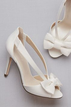 Two-Piece Strappy Bow Pumps | David's Bridal | Vinatge wedding shoes, peep toe wedding pumps #weddingshoes