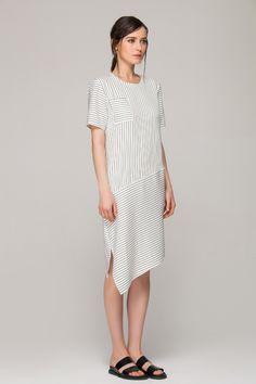 Dress in monochrome stripes with asymmetric hem - FrontRowShop