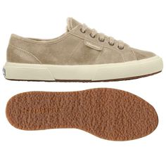 €83,43 - 2750-SHEARLINGU - Upper in shearling Outsole in natural rubber. Only at…