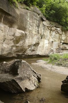 LEDGES STATE PARK Ledges State Park is one of Iowa's most popular state parks and a favorite spot for romantic picnics. There are plenty of lovely spots to stop and snack throughout the park.