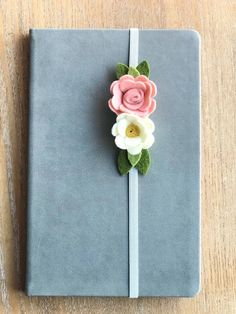 Your place to buy and sell all things handmade - Excited to share the latest addition to my shop: Felt bookmark, bookmark, felt flowers, journ - Diy Bookmarks, How To Make Bookmarks, Ribbon Bookmarks, Valentines Bricolage, Valentines Diy, Felt Diy, Felt Crafts, Tarjetas Diy, Creative Birthday Gifts