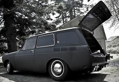 Murdered out 67 VW Squareback...saweeet!