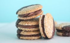 7 Tips for Making Great Iced Coffee Chocolate Whoopie Pies, Chocolate Meringue, Refrigerator Cookies, Thin Mints, Almond Cookies, Girl Scout Cookies, Brownie Cookies, Gluten Free Cookies, Cookie Jars