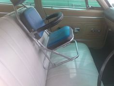 70's car seat.....Safety at it's finest.....LOL