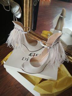 Χειροποίητα Νυφικά παπούτσια με φτερά και πέτρες Swarovski Divina Stiletto Heels, Abstract Art, Swarovski, Pumps, Bride, Modern, Handmade, Inspiration, Shoes