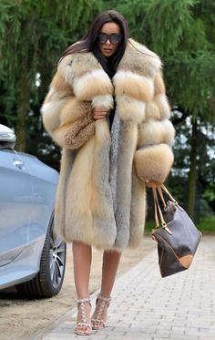 Luxury Women Gold Island Fox Fur Coat Winter Full Pelt Fur Overcoats Warm Jacket | eBay Chinchilla, Rabbit Fur Vest, Fox Fur Jacket, Fur Fashion, Fur Collars, Pull, Winter Coat, Coats For Women, Mantel