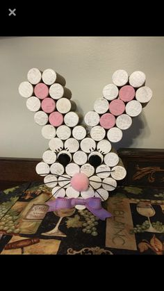 Wine Craft, Wine Cork Crafts, Wine Bottle Crafts, Wine Bottles, Easter Decor, Easter Ideas, Easter Crafts, Wine Cork Art, Wine Corks