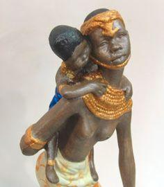 Ateliê Le Mimo: AFRICANOS  Africana com criança - peça em gesso com decoupage