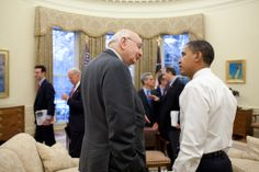 President Obama talks with Paul Volcker,Chair of the President's Economic Recovery Advisory Board.1/28/2009.