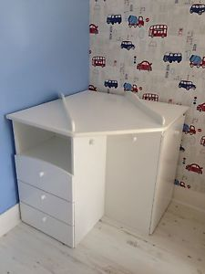 Baby-Corner-Changing-Table: I would just put a contoured pad on the top, without the wooden sides that are shown in the photo. This would work with our Juvenile Bedroom Furniture piece in the garage :-)