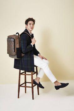 "OMONA THEY DIDN'T! Endless charms, endless possibilities ♥ - Yoo Yeon Seok confirms movie ""Haeohwa"" with Han Hyo Joo + models for Beanpole Accessory 2015 S/S Asian Men Fashion, Korean Street Fashion, Kang Sora, Byun Yo Han, A Werewolf Boy, Yoo Yeon Seok, Lee Byung Hun, Han Hyo Joo, Siwon"