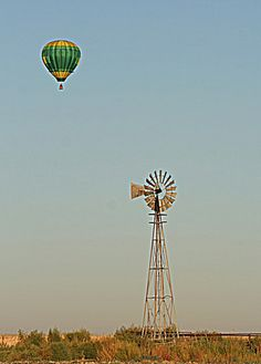 Texas windmill / hot air balloon just passing by... ★。☆。JpM ENTERTAINMENT ☆。★。