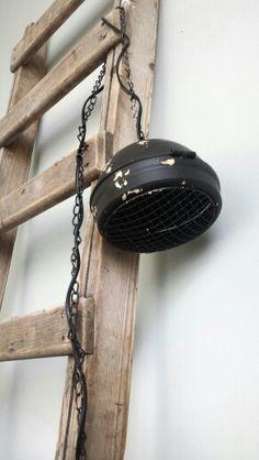 Industriële hanglamp! Industrieel, zwart, vintage! Nu te verkijgen in onze shop; www.huisvolliefde.nl