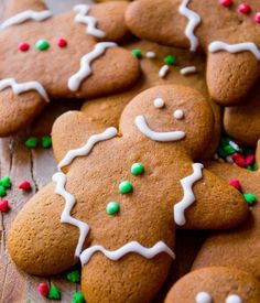 This is the best recipe for gingerbread men! Easy to mix together, taste unbelie. This is the best recipe for gingerbread men! Easy to mix together, taste unbelievable, and fun to decorate! Gingerbread cookie recipe on sallysbakingaddic. Cookie Desserts, Holiday Baking, Christmas Desserts, Christmas Treats, Holiday Treats, Best Christmas Recipes, Easy Christmas Baking Recipes, Thumbprint Cookies, Holiday Cookies