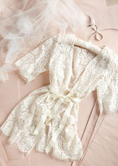 Pretty getting-ready robe