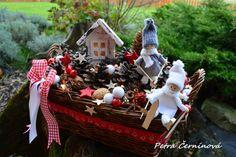 Vánoční+dekorace-svítící+Velikost+33cm,+výška+22+cm.+-světýlka+na+2+tužkové+baterky+-dřevěný+domeček+-2+lyžařky