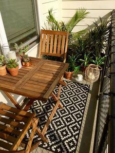 We love unique little balcony ideas Apartment Ikea Patio – Home Deco … - Modern Small Balcony Design, Small Balcony Garden, Small Balcony Decor, Outdoor Balcony, Pergola Patio, Small Patio, Patio Design, Backyard Patio, Outdoor Decor