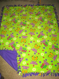 Miss Spider Sunny Patch w/ Purple back Fleece Tie Blanket