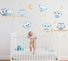 Check out our owl wall decal selection for the very best in unique or custom, handmade pieces from our wall decals & murals shops. Owl Wall Decals, Wall Decal Sticker, Baby Shawer, Baby Kids, Nursery Twins, Baby Room Design, Baby Boy Rooms, Girl Room, Baby Quilts