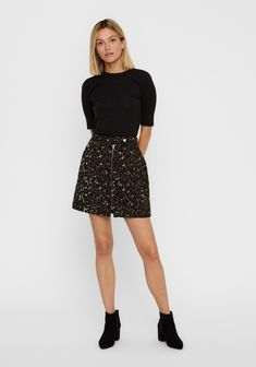 Brand: Vero Moda Style Code: 10218024 Colour: TOCB Features: Leopard print, mini length, front zip fastening, made from a cosy wool Nylons, Short Skirts, Mini Skirts, Leopard Shorts, Ralph Lauren, Wool Blend, Skater Skirt, Espadrilles, Pumps