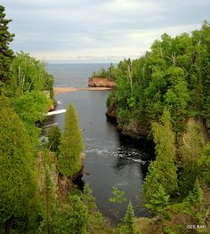 Baptism River into Lake Superior, Tettegouche State Park, Minnesota, USA.