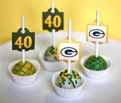 I don't like cake pops as a rule, but these aren't too shabby .. Green Bay Packer Cake Pops!