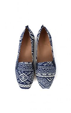 Bamboo Rosalba-09 Two Tone Tribal Loafers BLUE
