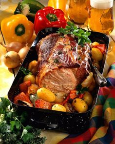Our popular recipe for smoked pork roast on colorful paprika vegetables and more than other free recipes on LECKER. Our popular recipe for smoked pork roast on colorful paprika vegetables and more than other free recipes on LECKER. Pork Roast Recipes, Meat Recipes, Rabbit Recipes, Smoker Recipes, Barbecue Recipes, Greek Recipes, Italian Recipes, Smoked Pork Roast, Smoked Ribs