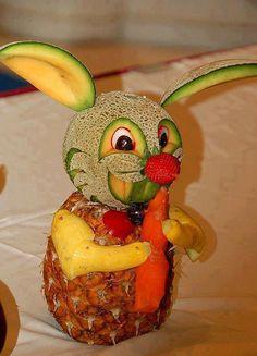 OLHA O COELHINHO AÍ, GENTE! - De frutas.