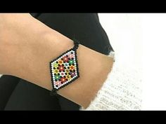 Kelly from Off the Beaded Path, in Forest City, North Carolina shows you how make herringbone bead caps. Seed Bead Tutorials, Beading Tutorials, Seed Bead Jewelry, Beaded Jewelry, Peyote Beading, Beadwork, Woven Bracelets, Bracelet Tutorial, Beads And Wire