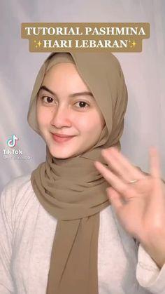 Simple Hijab Tutorial, Hijab Style Tutorial, Stylish Hijab, Casual Hijab Outfit, Modern Hijab Fashion, Hijab Fashion Inspiration, Cara Hijab, Pashmina Hijab Tutorial, Mode Turban
