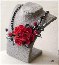 Купить Колье Красные розы. Цветы из полимерной глины - ярко-красный, красно-черный