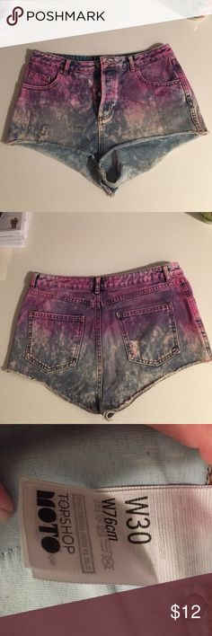 """Top shop tie dye denim shorts Top shop dip dye denim cutoff shorts. Midrise. Bottom fly. 1.5"""" inseam. 10"""" length from waistband. Great for beach, camp, hanging out. Topshop Shorts Jean Shorts"""