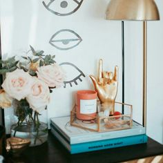 6 Dreamy tips to style your lovely nightstand (Daily Dream Decor) Home Decor Hacks, Easy Home Decor, Cheap Home Decor, My New Room, My Room, Bedside Table Decor, Bedside Table Styling, Nightstand Ideas, Bedside Tables
