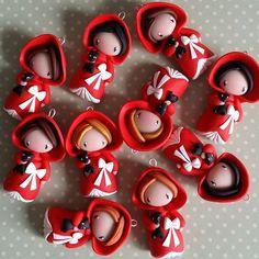 Madame Manon petits chaperons rouges