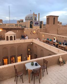 Rooftops are the best 🕌 Yazd , Iran middle east Iran Tourism, Naher Osten, Persian Architecture, Arch Architecture, Shiraz Iran, Teheran, Iran Travel, Persian Culture, Abu Dhabi