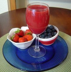 Have to try this one--but going to limit the strawberries since they can sometimes cause me to have an allergic reaction and I'll add some carrots and celery ;)
