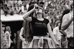 Photos Show Candid Moments of The Rolling Stones Fans in 1978