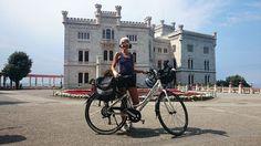 La #bloggerpercaso Chiara è a rrivata a Miramare! Primo giorno del suo bike tour in @discoverfvg  #golivefvg