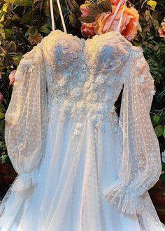 Pretty Prom Dresses, Bridal Dresses, Summer Wedding Decorations, Yes To The Dress, Fashion Lighting, Dream Dress, Wedding Day, Marriage, Bodice Wedding Dress