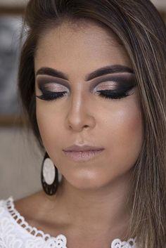 Curso de Maquiagem Online - O maior treinamento do Brasil com 31h Glam Makeup, Makeup Tips, Beauty Makeup, Beautiful Eye Makeup, Beautiful Eyes, Paradise Girl, Mack Up, Eyeshadow Looks, Eyebrow Makeup
