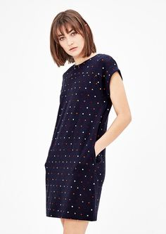 Dress from s.Oliver. Discover the latest fashions online for women, men and kids and order with free delivery.