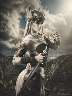 Valkyria by Rebeca Saray on – Norse Mythology-Vikings-Tattoo Viking Warrior, Art Viking, Angel Warrior, Warrior Girl, Viking Woman, Fantasy Warrior, Warrior Princess, Fantasy Girl, Norse Goddess