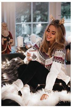 Cozy Christmas Outfit, Cute Christmas Pajamas, Holiday Party Outfit, Christmas Fashion, Christmas Shirts, Winter Christmas, Xmas, Veronica Lodge Outfits, Pride Outfit
