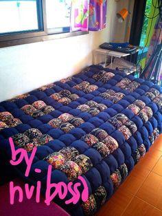 ผ้ารองนอนโทนดำ-ดอก