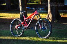 """Pivot Firebird """"red eagle"""" custom - custom bike by www.bikeinsel.com  #Pivot #Firebird #bikeinsel #SramEagle #Foxracingshox #Hope Firebird, Custom Bikes, Eagle, Bicycle, Mtb Bike, Bicycle Kick, Bike, Eagles, Trial Bike"""