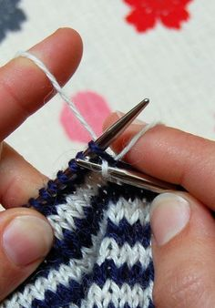 """STRIPES IN THE ROUND If you have never knit stripes, or have never been satisfied with how you have been knitting them, you might find these basic tips helpful. (By the way, this isn't a tutorial on the """"Jogless Jog"""", which is a way of eliminating the imperfect way stripes meet at the end of the round. Maybe another time!)   http://www.purlbee.com/knitting-tutorials-working-rnd/2013/2/19/stripes-in-the-round.html"""